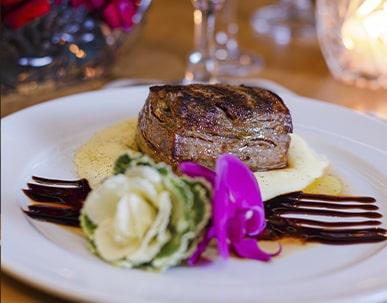 um dos pratos do touché restaurante no maraturismo hotel